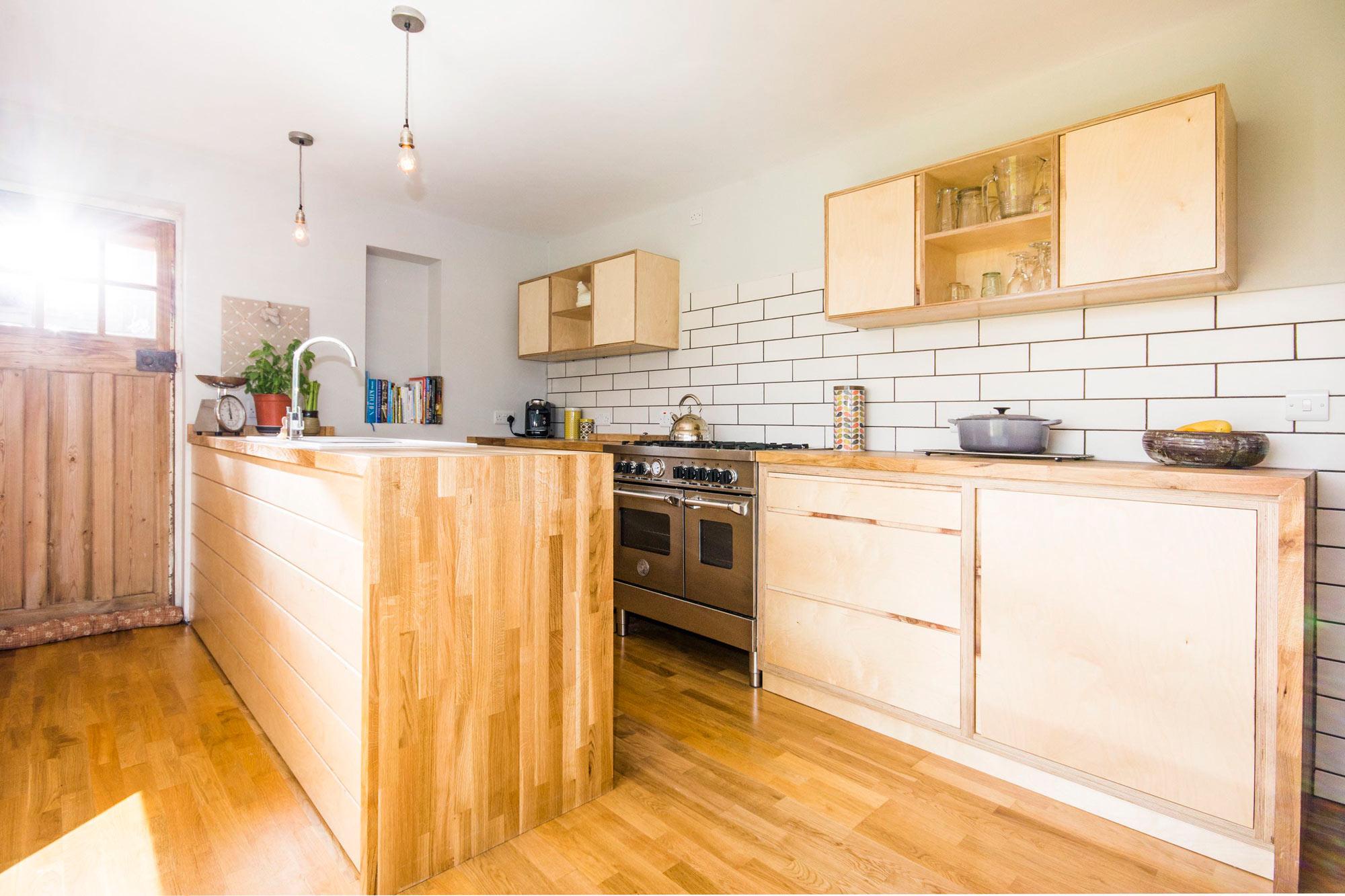 ashworth kitchens birch faced plywood kitchen. Black Bedroom Furniture Sets. Home Design Ideas